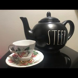 ***New*** Rae Dunn Black Steep Tea Pot